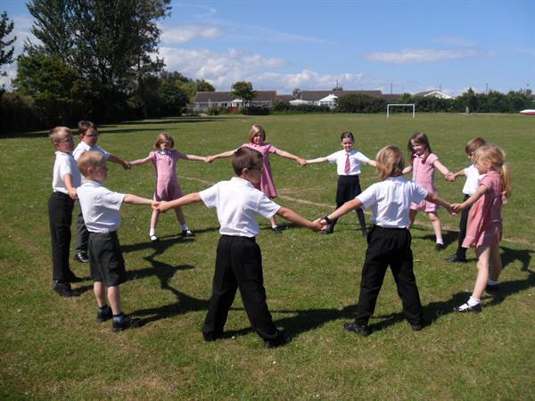 11 children were needed to span the Brazilnut tree