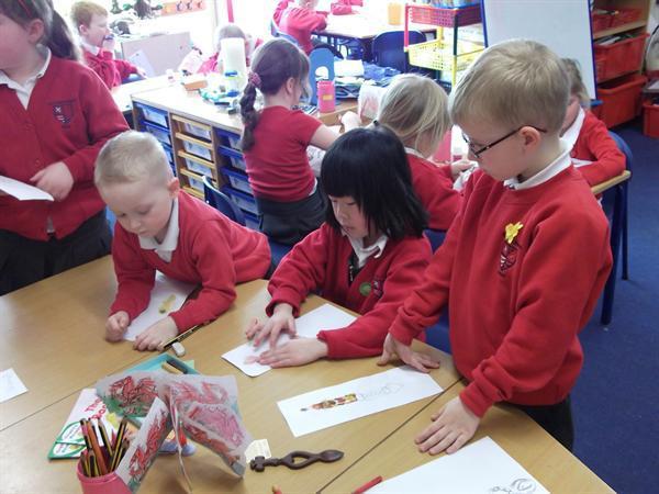 Designing Welsh love spoons