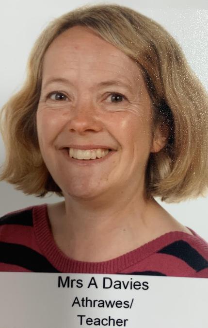 Mrs A Davies. Athrawres Derbyn/Reception Teacher